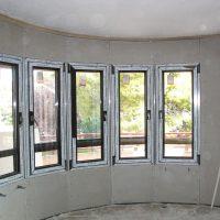 Instalación de ventanas y trasdosado de fachada.