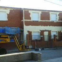 Obra durante la ejecución de fachada monocapa
